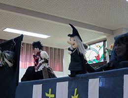 指人形はメンバーによる手作り
